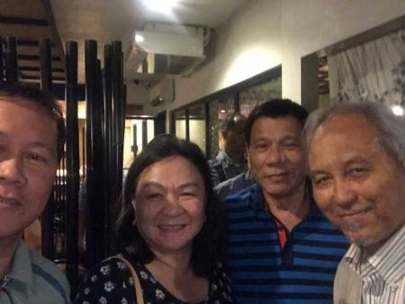 Doc Montero with nephew Dr. Larry Diaz, Chairman of Orthopedic Dept. of Southern Philippines Medical Center, his wife Atty. Tata Diaz, VP Pagibig Fund Housing Loans for Visayas and Mindanao, and President Rodrigo Duterte of the Philippines.